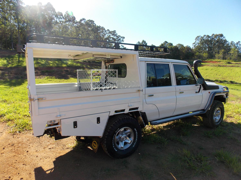 Landcruiser Dual Cab Ute Trays - Metalink